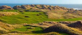 オーロラ鑑賞可能な場所でゴルフ